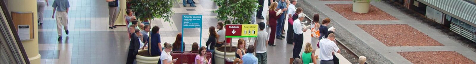 Crowd_waiting_for_train_Perth_city_station